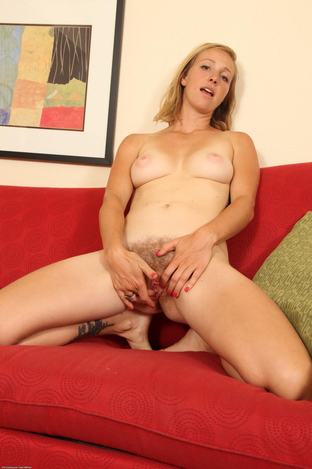 Women masturbating their pussy